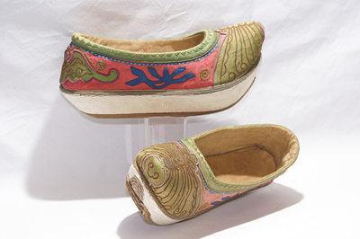 Ladies Boatshape platform shoes.