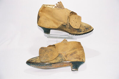 Ladies ankle shoes 'Trachtenschuh'.