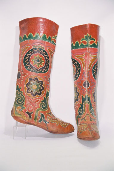 Tatar Tribe-men's boot stocking 'Magshi' to be worn in overshoes.