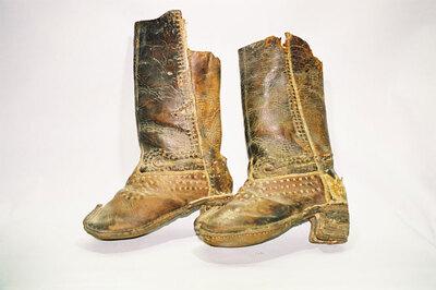 Men's boots .