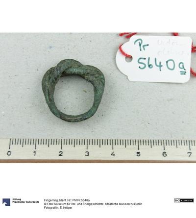 Bronzener Fingerring