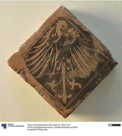 Fliese mit heraldischem Adler