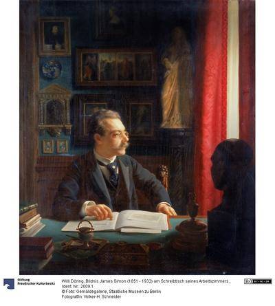 Bildnis James Simon (1851 - 1932) am Schreibtisch seines Arbeitszimmers.