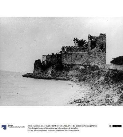 Kilwa Ruine an einer Küste