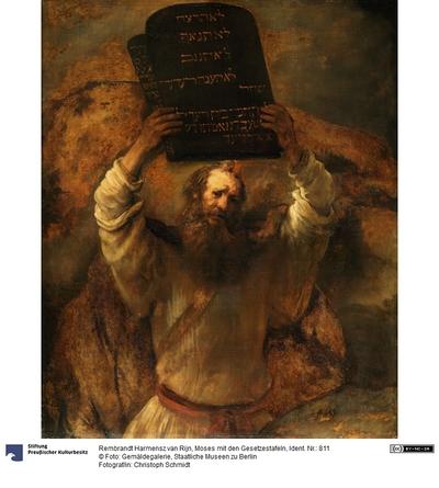 Moses zerschmettert die Gesetzestafeln