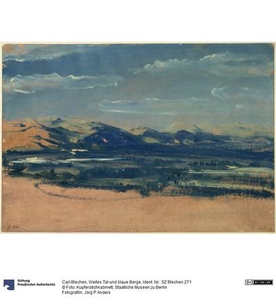 Weites Tal und blaue Berge