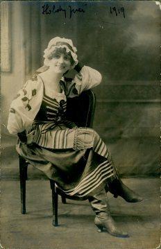 portrét herečky, Juci Holdy