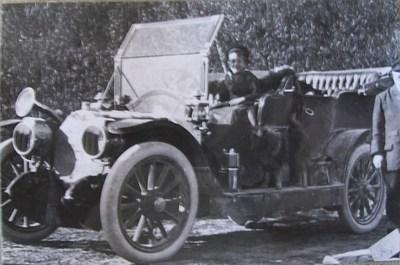 Ritratto di Uguccione Ranieri di Sorbello in auto