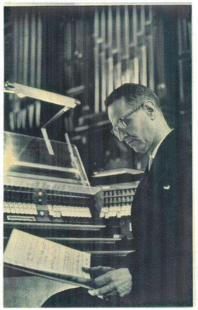 Kyrkomusikern och organisten Lars Ryde.