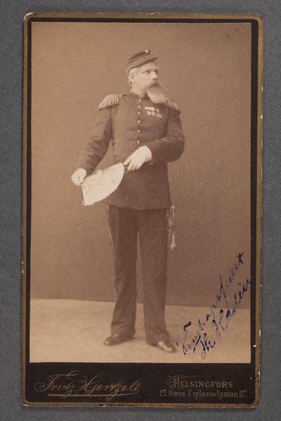 Theodor Hedin, operett- och operasångare.
