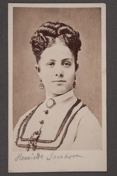 Henriette Jacobson (1850-1874), svensk skådespelare.
