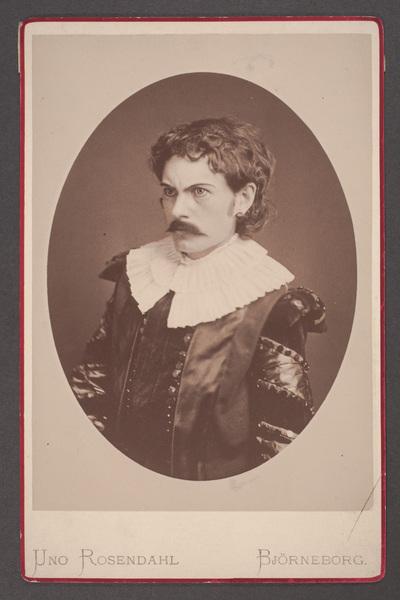 Anton, Kivinen, skådespelare.