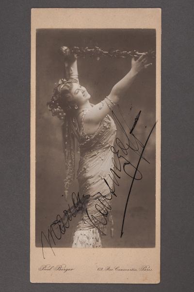 Maria Kuznetsova-Benois (1886-1966), rysk operasångare (sopran).