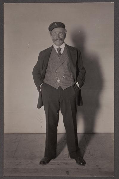 Emil Lindh (1867-1937), skådespelare, i rollen  ...