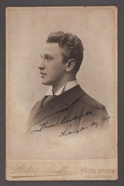 Knut Lindroth (1873-1957), svensk skådespelare och teaterdirektör.