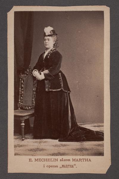 Emilia Mechelin (1838-1917), sångerska, i titelrollen  ...