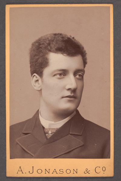 Tore Svennberg (1858-1941), svensk skådespelare och teaterchef.