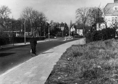 Van Riebeeckweg. uitmonding op de Soestdijkerstraatweg