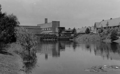 Van de Sande Bakhuyzenstraat. Valeriusschool, gezien vanaf de Lorentzweg, architect Dudok