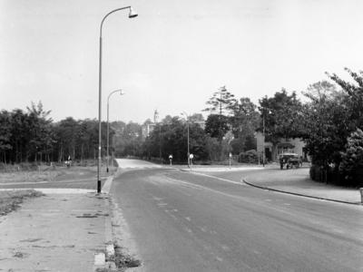 Gijsbrecht van Amstelstraat loopt over in de Geert van Mesdagweg bij de kruising Vaartweg.