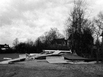 Soestdijkerstraatweg. kleedlokaal dat door storm is verwoest in de nacht van 21 op 22 januari 1956