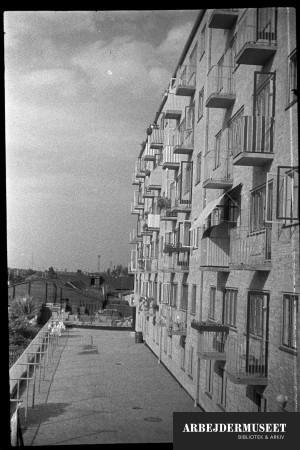 København, Christianshavn(?),hus med balkoner