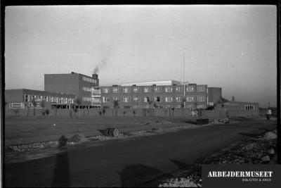 Vilhelm Lauritzens byggeri, Gladsaxe Skole, 1936/1937, bygningerne