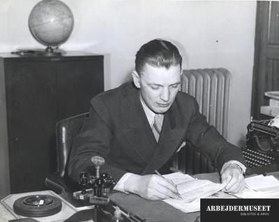 Regnskabsmesteren mellem stempler og skrivemaskine. Skandinaviske søfolk i New York