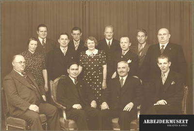 Bestyrelsen for Socialdemokratisk vælgerforening i 15. kreds (Utterslev) ved 50 års jubilæet den 21. oktober 1938
