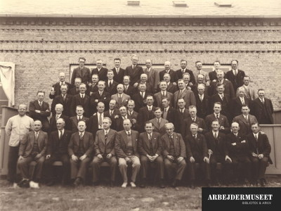 Gruppebilledet fra postbudenes feriekursus i 1936 på Knudshoved