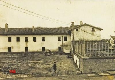 Pamplona. Casa cuartel de la Guardia Civil en el barrio de la  Rochapea