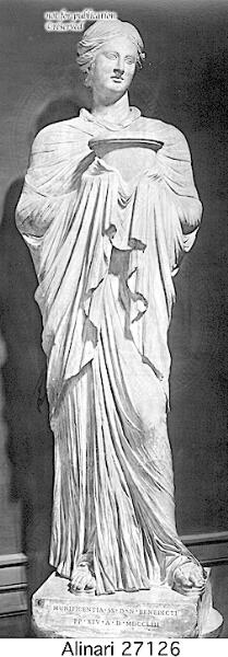 Statue einer Priesterin