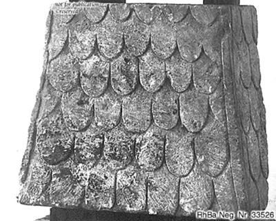 Block eines pyramidenförmigenSchuppendaches