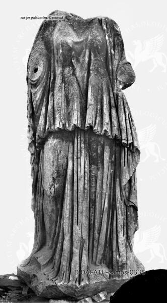 Weibliche Gewandstatue (Hera?)