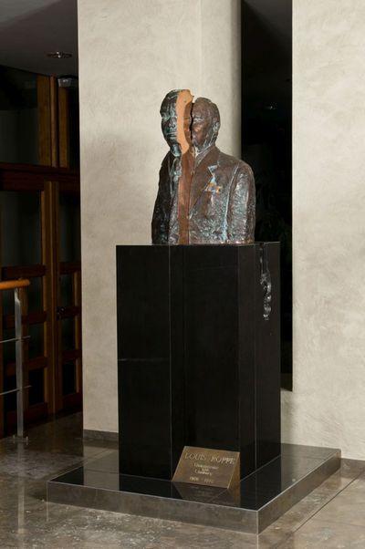 Borstbeeld gouverneur Roppe