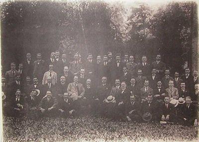 Célestin Blanckart (1881-1944), foto van Verbroedering ex-onderofficieren Elfde Linieregiment afdeling Hasselt, s.d., hout, glas, papier.