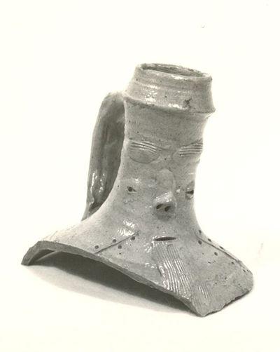 Archeologische vondst uit Herkenrode: hals van baardmankruik, 16de eeuw, geglazuurd aardewerk.