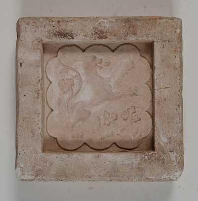 Anoniem, mal voor tegel met afbeelding van een heraldische leeuw naar rechts, s.d., gips.