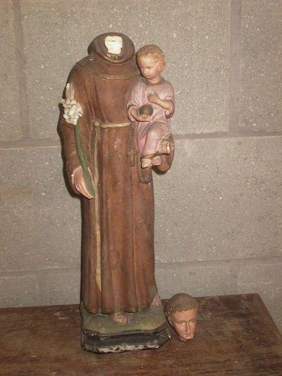 Anoniem, beeld van Sint-Antonius met kind, s.d., geverfd gips.