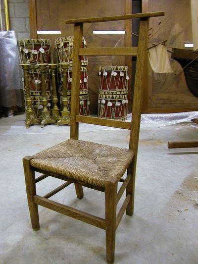 Anoniem, kerkstoel, s.d., hout, riet.