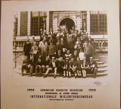 J. Knops, Foto van Koninklijke Hasseltse Veloclub, 1962, papier.