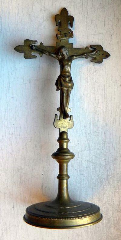 Anoniem, kruisbeeld afkomstig uit de kapel van het Sint-Jozefscollege, s.d., messing.