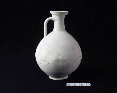 Volledige kruik in gladwandig oxiderend aardewerk (GWO)