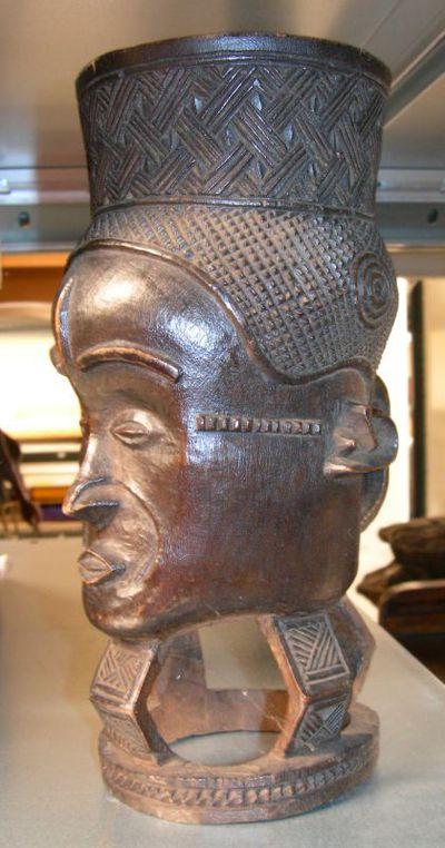 Anoniem, drinkbeker in de vorm van een hoofd, afkomstig van de Kuba-stam, s.d.