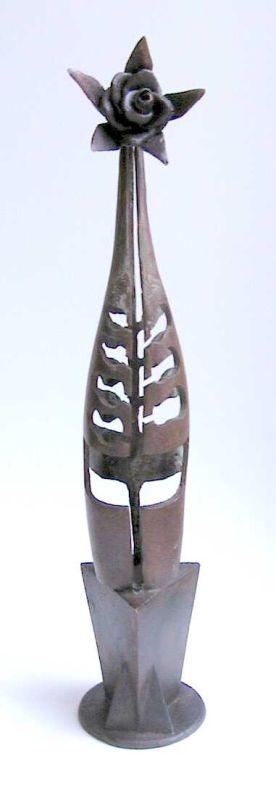 Gerard Moonen (°1953), ontwerp voor het beeld Roode Roos Schiervellaan ter gelegenheid van 500 jaar Rederijkers in Hasselt, 2000, brons.