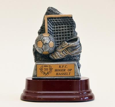 Anoniem, trofee 50 jaar K.F.C. Hoger Op Hasselt, 2004.