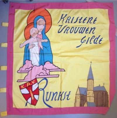 Anoniem, vlag 'Kristene Vrouwen Gilde K.A.V. Runkst', gewijd in 1957, katoen en zijde.