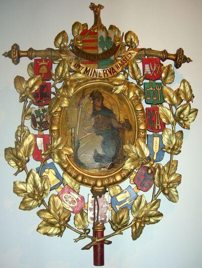Godfried Egide Guffens (1823-1901) schilder, Willem Geefs (1805-1883) beeldhouwer, Standaard Maatschappij Minerva, 1871, doek, snijwerk van lindehout, gepolychromeerd ijzer en koper.