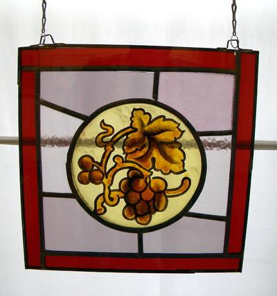 Dré Mathijs (°1946), medaillon van een glasraam, uit de kapel van het Sint-Jozefscollege, afgebroken in 1974, 1970-1974, glas in lood.