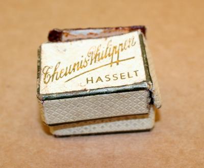 Juwelendoosje voor ring huis Theunis-Philippen Hasselt, 1933, karton.